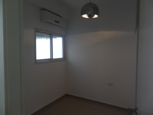 2 ком. новейшая квартира в центре Бат-яма