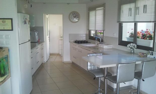 элитная 3 ком. квартира в новом доме ( продано )